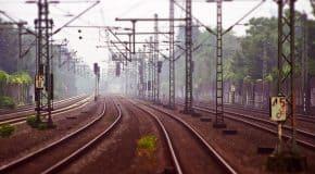Oproep ProRail: houd een oogje in het zeil bij verwarde personen om of op het spoor